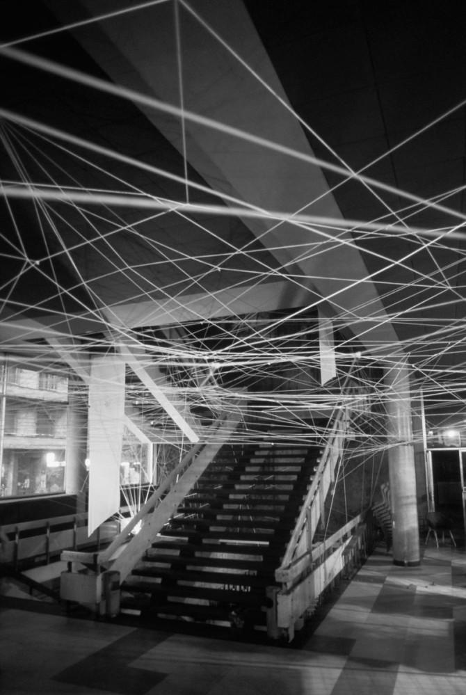 """Instalacija """"Linearni prostori br.3Dom omladine Beograda1987–1988. godine"""