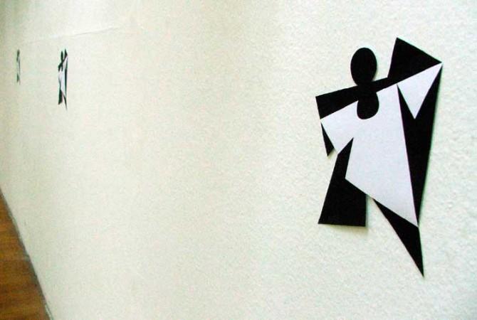 Vizuelni identitet izložbe Dizajn sekcije ULUPUDS-a – 2007. | Grafički elementi (u prostoru galerije)