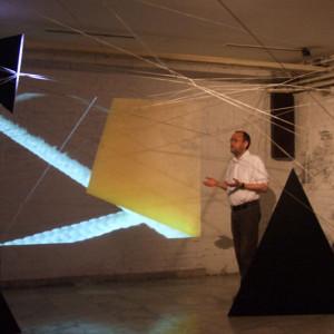 """Prezentacija u okviru pratećeg programa 43. majske izložba ULUPUDS-a """"Kreativna košnica"""""""